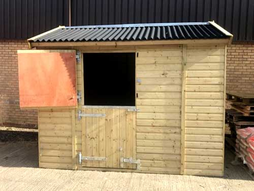 Field Shelter & Stables